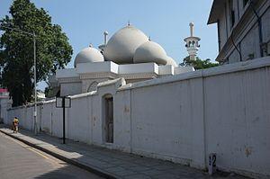 Thousand Lights Mosque - Image: Thousand Lights Mosque (6708375421)
