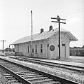 Title- (Missouri Pacific Railroad Station, Dilley, Texas) (18047681240).jpg