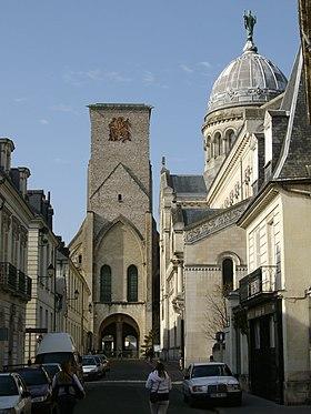 La tour charlemagne