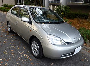 Toyota PRIUS (NHW10) front.JPG
