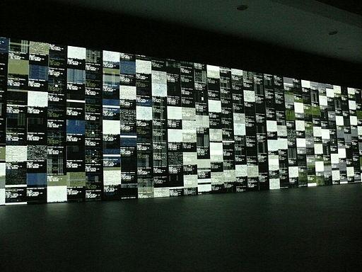 Transmediale-2010-Ryoji Ikeda-Data-Tron-1