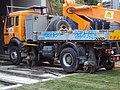 Travaux T2 - Courbevoie - vehicule de pose de caténaire - juin 2012.jpg