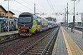 Treviglio - stazione ferroviaria - elettrotreno TSR.jpg