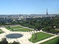 Tuileries panorama.jpg