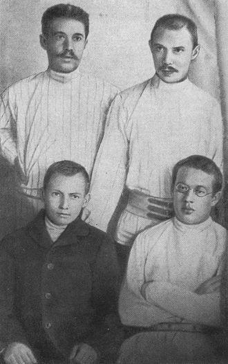 Ğabdulla Tuqay - Tuqay, Ämirxan and Qoläxmätovs