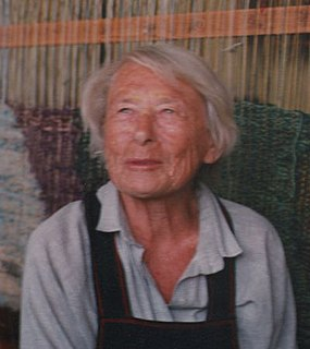 Polish fine artist who specialized in hand weaving and textile arts