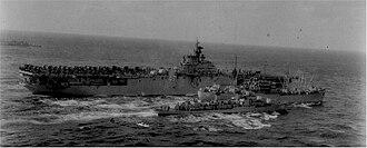 USS Chara (AKA-58) - Image: USS Chara (AKA 58) replenishing USS Philippine Sea (CV 47) and USS Hollister (DD 788), circa 1950