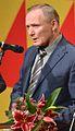 Uladzimir Njakljajeu (Vladimir Nekljajev) tar emot Tucholsky-priset.jpg