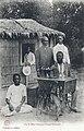 Un tailleur Loango-Congo Français.jpg