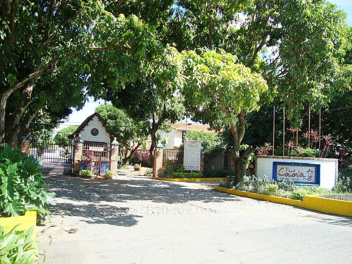 File Urbanizacion Villa Colonial Araure Portuguesa Venezuela Panoramio Jpg Wikimedia Commons