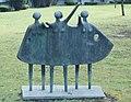 Ute Steffens - Trio, Bronze, 1974, Ostpreußenstraße 1-3, Wiesbaden.JPG