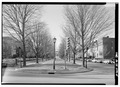 VIEW WEST FROM STUART MONUMENT TO LEE MONUMENT. - 1600 Block Monument Avenue, Richmond, Independent City, VA HABS VA,44-RICH,116-5.tif