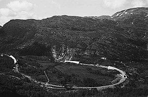 Horseshoe curve - Image: Vatnahalsen Reinunga Wilse 1939