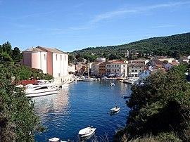 http://upload.wikimedia.org/wikipedia/commons/thumb/3/31/Veli_Losinj_Town_Harbor.jpg/270px-Veli_Losinj_Town_Harbor.jpg