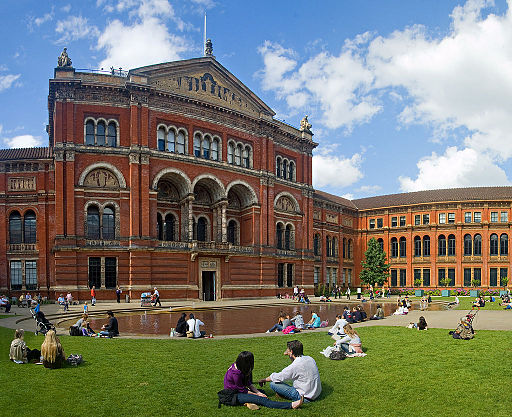 Victoria and Albert Museum - A Virtual Tour