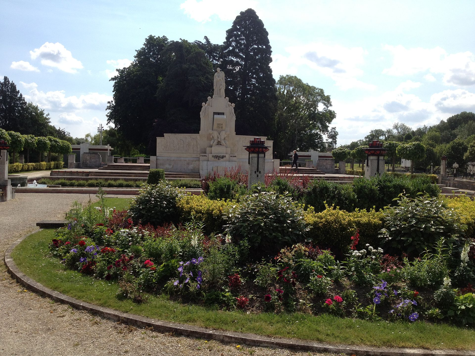 Jardin de l 39 abbaye de vierzon wikip dia for Jardin l encyclopedie
