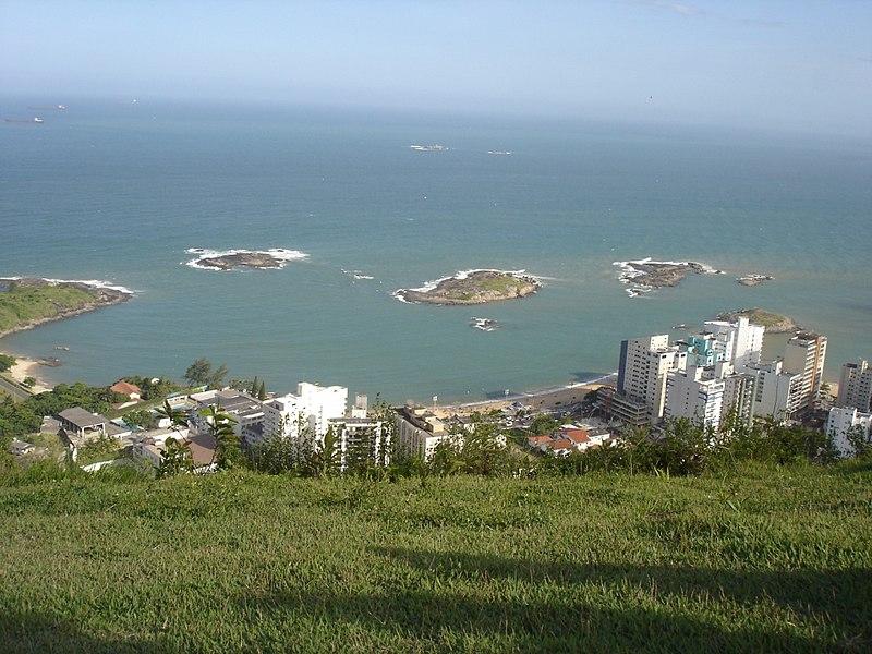 Ficheiro:View of Morro do Moreno.jpg
