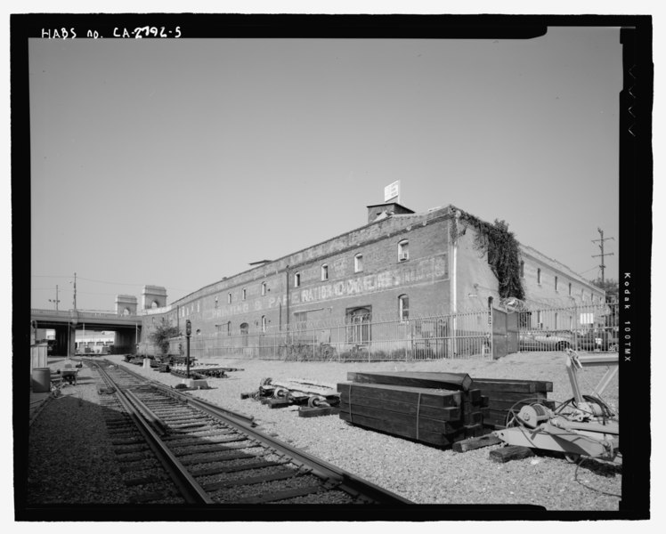 File:View of east rear of Pickle Works Building, facing southwest - James K. Hill and Sons Pickle Works, 1001-1007 East First Street, Los Angeles, Los Angeles County, CA HABS CA-2792-5.tif