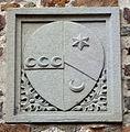 Villa il palagio di san casciano, cortile, stemma strozzi-miniati.JPG