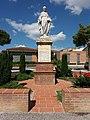 Villefranche-de-Lauragais - Statue de la Vierge.jpg