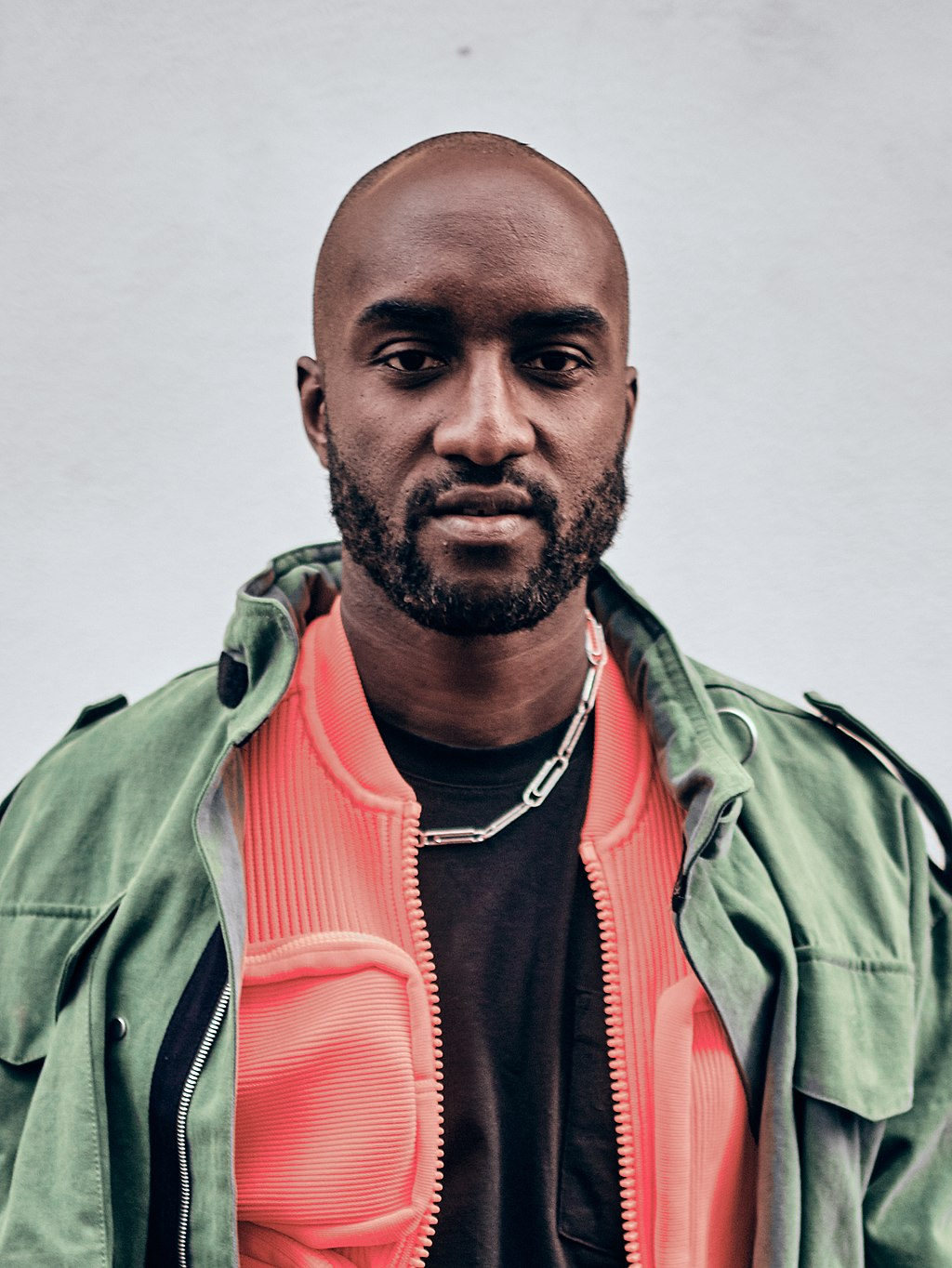 This image has an empty alt attribute; its file name is 1024px-Virgil_Abloh_Paris_Fashion_Week_Autumn_Winter_2019_%28cropped%29.jpg