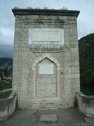 Mehmed Paša Sokolović Bridge - The center pile of the bridge