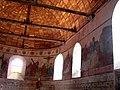 Voûte et murs intérieurs de l'église de Meslay-le-Grenet.jpg