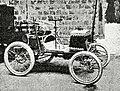 Voiturette Renault, vainqueur de catégorie au Paris-Toulouse-Paris 1900 avec Louis Renault (350 commandes).jpg
