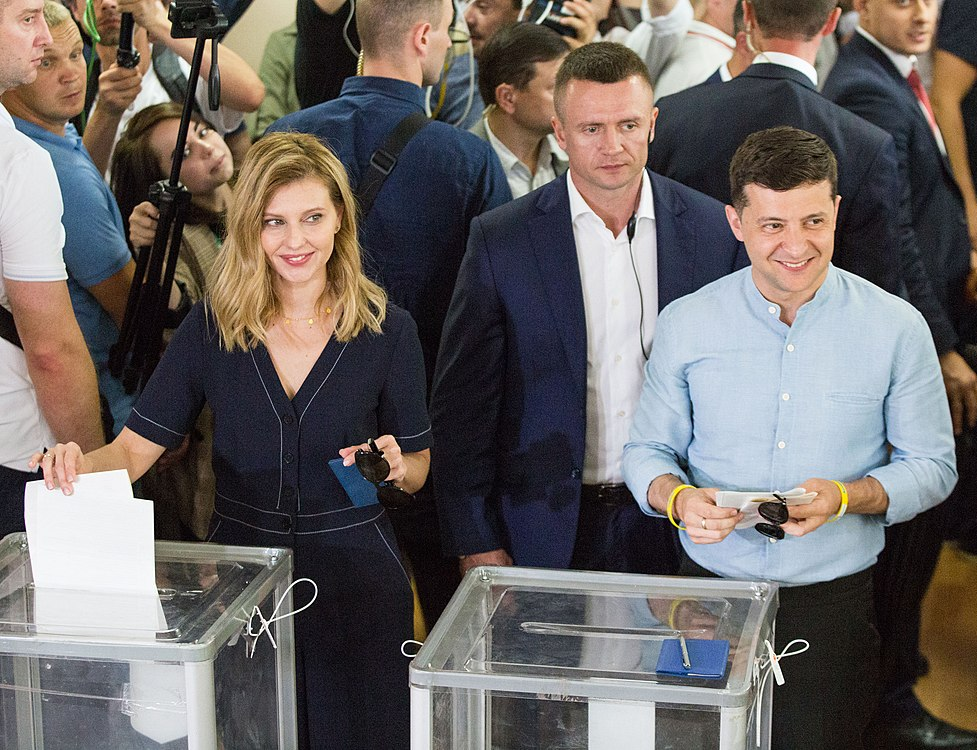 Volodymyr Zelenskyy voted in parliamentary elections (2019-07-21) 02.jpg