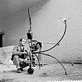 Voorbereiding tentoonstelling in Stedelijk Museum, Bestanddeelnr 912-1978.jpg