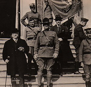 Samuel Gompers - Gompers poses for a photograph in front of an Italian villa with American officers, 1918.