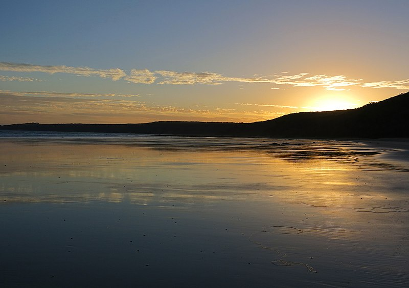 File:Waratah Bay Sunset (62973553).jpeg
