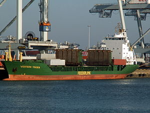 Western Trader loading and unloading in the Amazone harbour Port of Rotterdam 14-Jan-2006.jpg