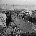 Wieringermeer. Bij Medemblik werden hulpgemalen ingezet (voorjaar 1945) om de Wi, Bestanddeelnr 901-1842.jpg