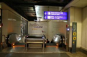 Frankfurt Airport regional station - Escalators to railway platform