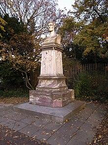 Busto di Wilhelm Müller nel parco cittadino di Dessau