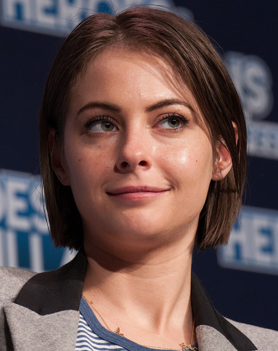 Willa Holland 2017