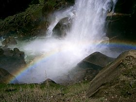 Yosemite Vernal Fall12.JPG