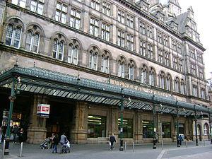 Glasgow Central station - The Gordon Street entrance of Central Station, with The Central Hotel above it