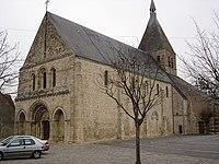 Église Notre-Dame de Bellegarde.jpg
