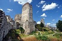 Čachtice, hrad, Slovensko.jpg