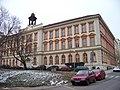 Žižkov, Komenského náměstí, škola.jpg
