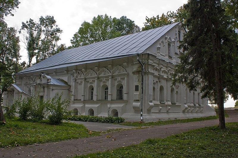 Будинок полкової канцелярiї (Чернігів, Вал). Автор — Opalev, вільна ліцензія CC BY-SA 3.0