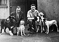 Гуннар Каасен вместе с псами на туре по Америке.jpg