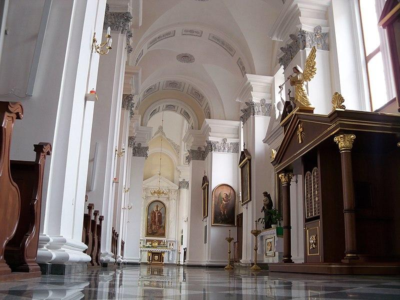 Собор (костьол) Римсько-католицький Успіння Пресвятої Богородиці.Інтерєр.JPG