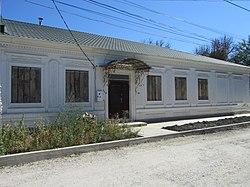 Торговий дім XIX ст. м.Білогірськ (Карасубазар), вул. Дубініна.JPG