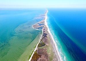 Тузлівська коса - межа між морем та лиманами.jpg