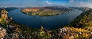 Шишкові горби над річкою Дністер. Панорама.jpg