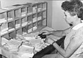 חוה ספר בחדר הדואר 1943 - iדרנגר שרידi btm4164.jpeg