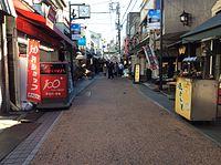 商店街 2016-12 焼きいも (33079306721).jpg